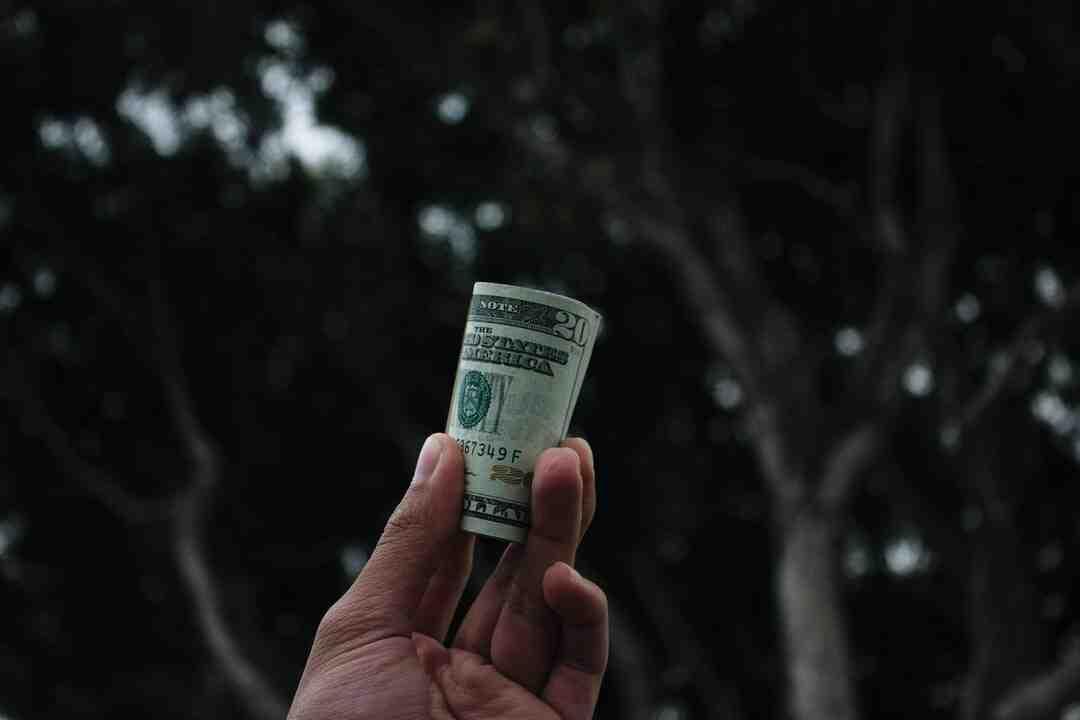 Comment gagner de l'argent en vendant des objets dans la rue